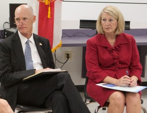 GOV SCOTT AND COMMISSIONER STEWART (2)